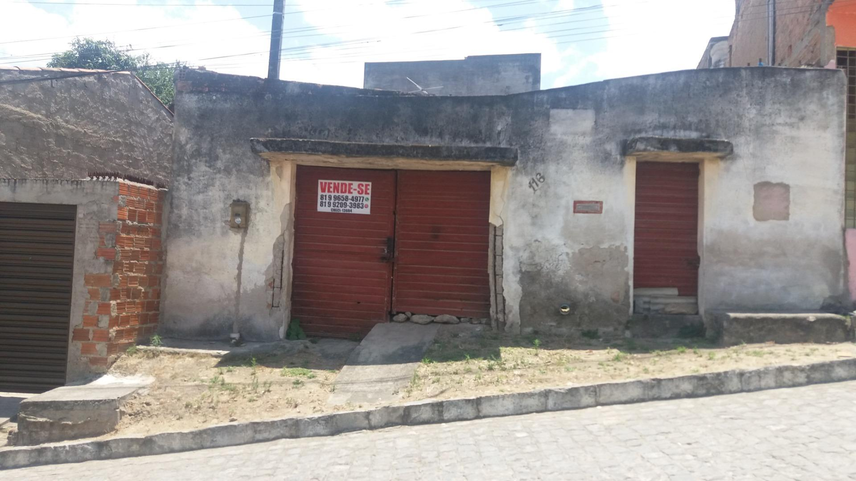 CASA RESIDENCIAL À VENDA, SANTA ROSA, CARUARU.
