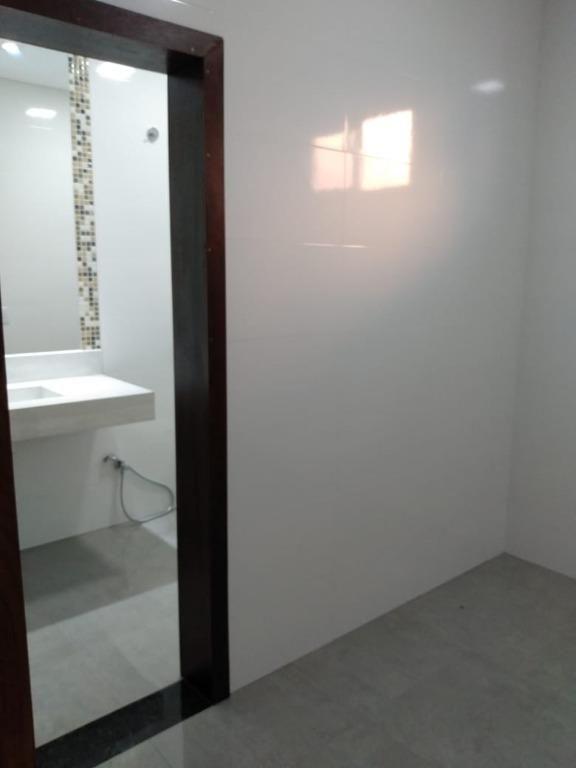 Casa com 03 dormitórios, sendo 01 suíte à venda, 202 m² por R$ 900.000 - Residencial Bella Suíça - Sinop/MT