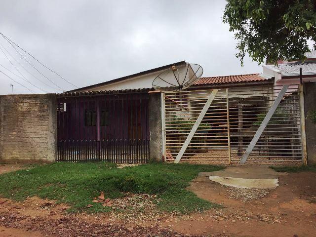 oportunidade de investimento 2 casas em um terreno com 3 quartos cada